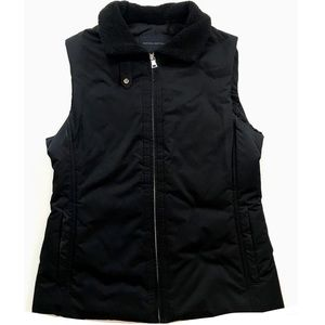 Banana Republic Black Vest Fleece Neckline Medium
